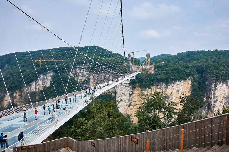 the tallest glas bridge