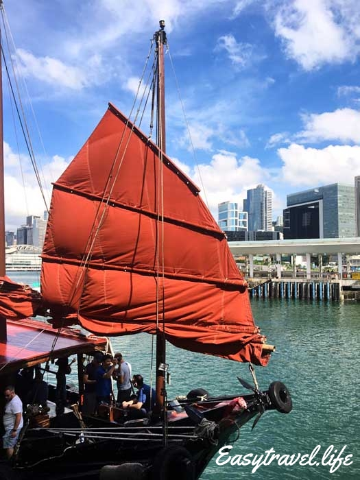 red sail junk boat